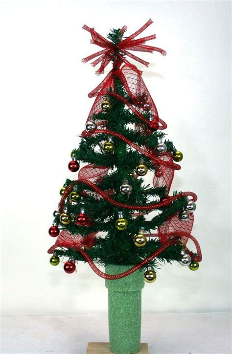 grave side christmas tree 13 best grave site ideas images on cemetery flowers funeral flowers and grave flowers