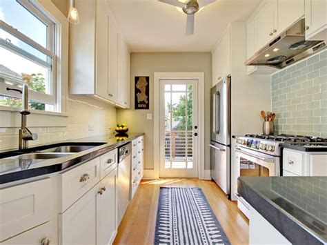 tips about how to buy kitchen rugs washable