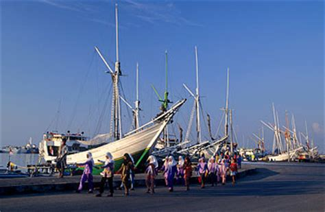 part time terbaru 2015 makassar five reasons to visit makassar time