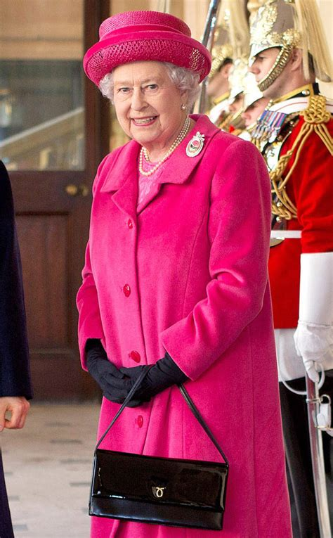 queen elizabeth purse the queen pulls a kate middleton causes launer handbag