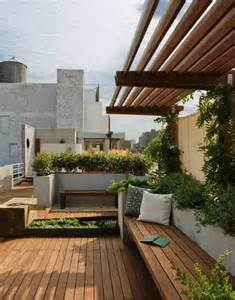 Rooftop Patio Design by New York City Rooftop Garden Offers Views And Privacy