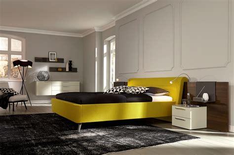 leuchte bett kopfteil leseleuchte am bett montieren f 252 r ein modernes schlafzimmer