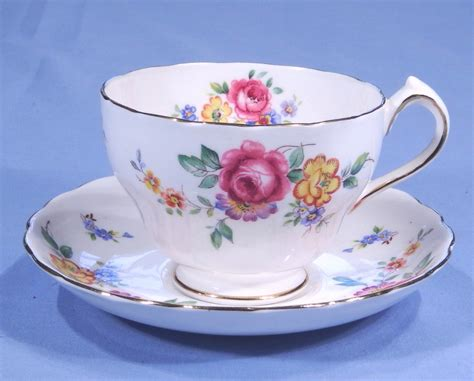 Floral Pattern Bone China Tea Cup And Saucer new chelsea floral vintage bone china tea cup and saucer pattern 2549a collectable china