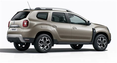 renault duster 2018 renault plasters its name badges and vents on new duster