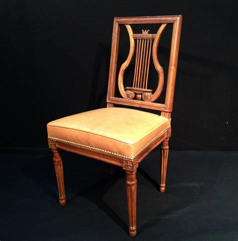 Chaise Lyre Louis Xvi by Chaise 224 Dossier Lyre En Noyer Galerie Damidot