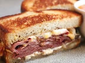 best bologna sandwich best 25 bologna sandwich ideas on fried