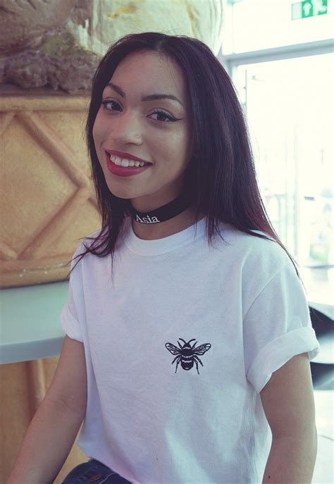 Embroidered Cropped T Shirt baby bee embroidered white cropped t shirt bordado