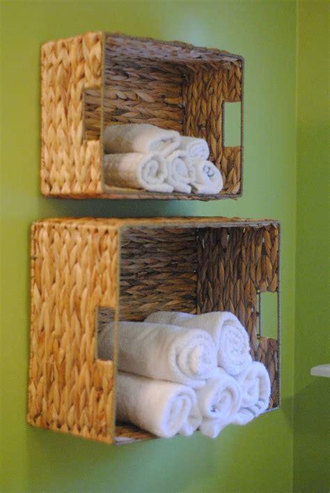 bathroom storage towels 15 minute diy bathroom organization ideas