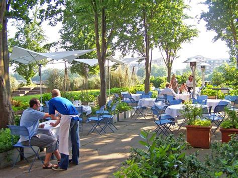 Garden Of Restaurant by Garden Design Ideas From The Restaurant The River Caf 233