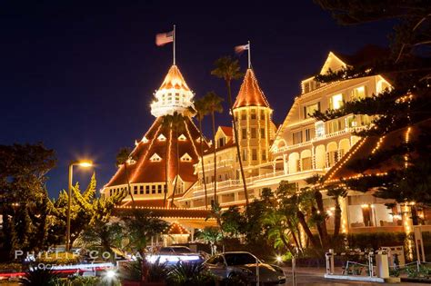 hotel del coronado with christmas lights san diego