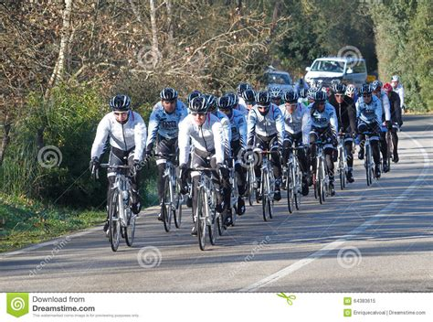 team bank saxo bank team 014 editorial image image 64383615