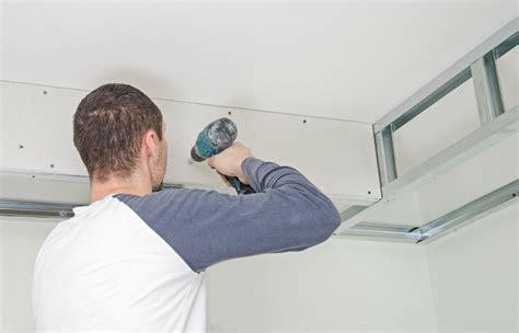 Comment Enduire Un Plafond by Comment R 233 Aliser Faux Plafond Isolation Id 233 Es