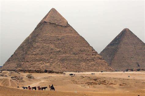 interno piramide di cheope scoperta con i raggi cosmici la stanza segreta nella