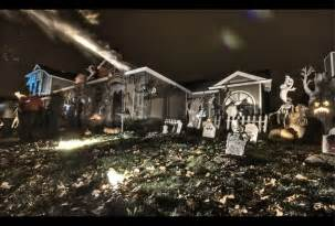 Halloween Decorated Homes by 11 Craziest Halloween Decorated Homes