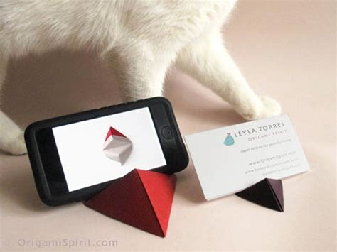 How To Make A Origami Iphone - origami for a pyramid stand for iphone or
