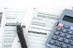 ab wann wird bafög gezahlt ab wann zahlt lohnsteuer