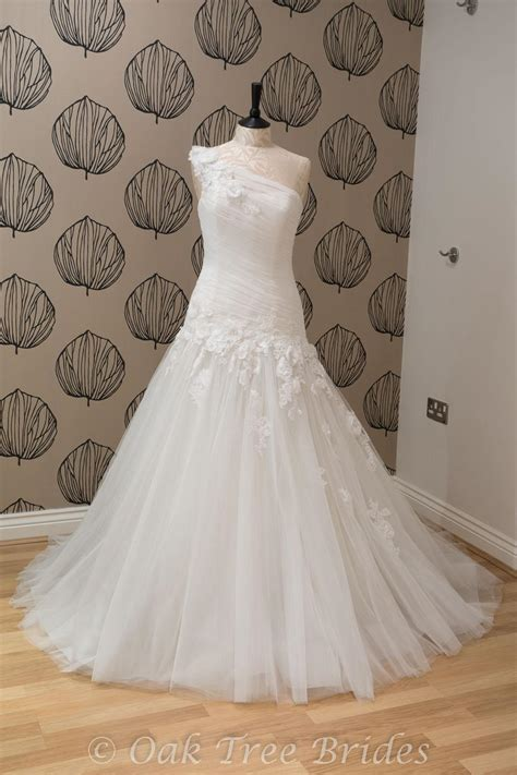 Wedding Dresses Size 12 Page 1 Designer Weddings Dresses Size 12 Oak Tree Brides