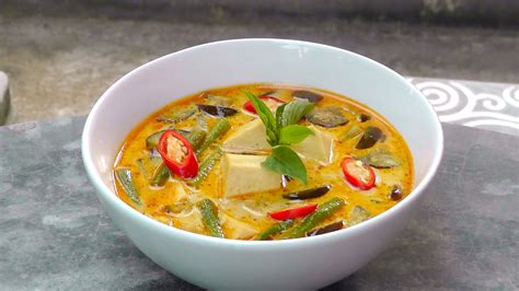thai curry cookbook 30 delicious thai curry recipes that you can enjoy from anywhere in the world books thai curry with tofu international vegan