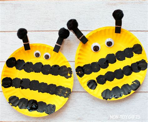 Bumble Bee Paper Plate Craft - easy paper plate bee craft for non gifts