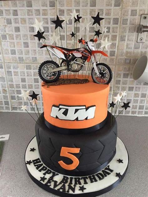 ktm themed birthday cake keith anniversaire moto gateau moto gateau anniversaire