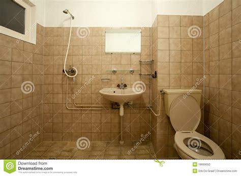 altes badezimmer altes badezimmer stockfoto bild 18669050