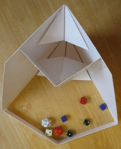 Origami Dice - dice origami and towers on