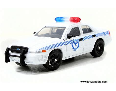 police car toy ford crown victoria miami police department by jada toys