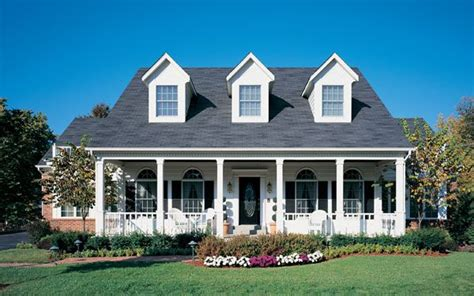 colonial house styles landscaping landscaping ideas cape cod house