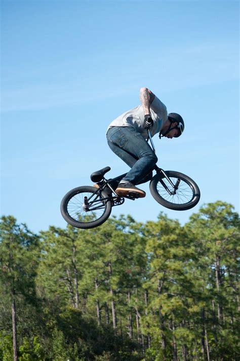 videos28771bmx bike tricks jumps how to do a bunny hop bmx tricks bmx group shows off tricks on cus unf spinnaker
