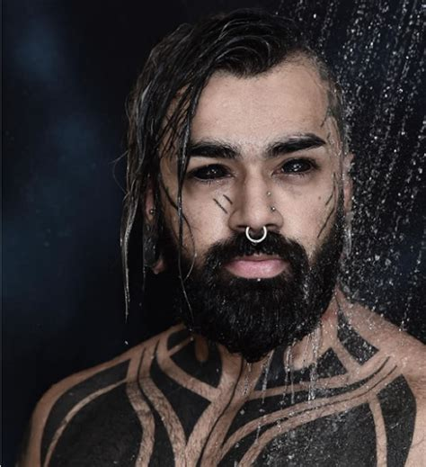 extreme lifestyle tattoo ekstrem banget 5 orang ini nekad bikin tato di bola mata