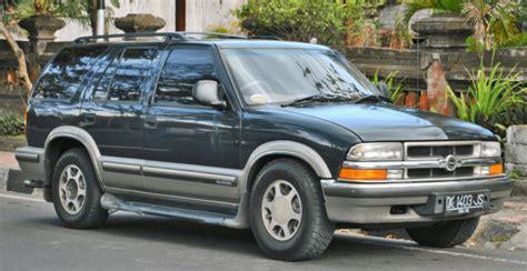 Mobil Nisan Blazer ulasan kelebihan dan kekurangan opel blazer mobil suv