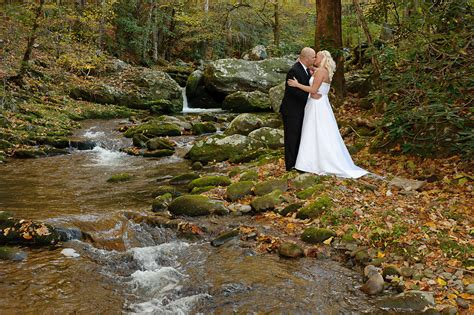 Gatlinburg Creekside wedding location   Smoky Mountain