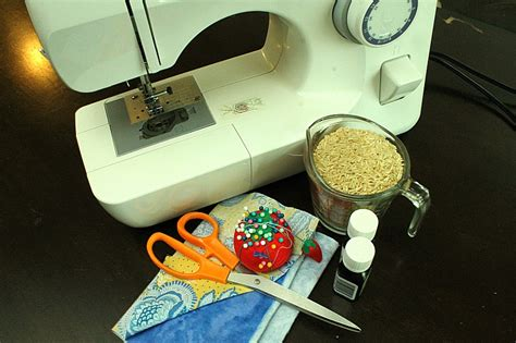 Handmade Heating Pads For Microwave - diy microwavable heating pad easy sew the happy