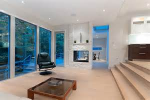 Step Living Room by Homes Modern Vancouver Houses Page 11