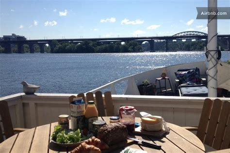 airbnb boats in sydney boat airbnb midtrip when we messaged our hosts we noticed