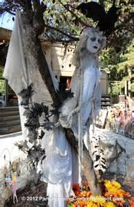 Creepy Halloween Decoration Party Planning Center 10 Creepy Outdoor Halloween