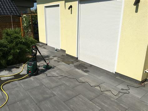 terrasse reinigen kärcher garten terrasse aus betonplatten mit hochdruckreiniger
