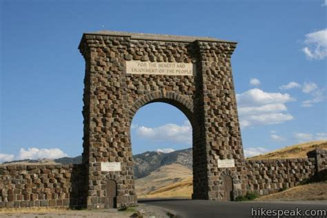 roosevelt arch hikes in yellowstone national park hikespeak com