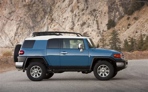 fj cruiser car toyota fj cruiser 2012 widescreen car image 16 of