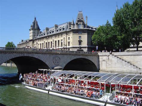 bateau mouche traduction tourisme fluvial 224 paris