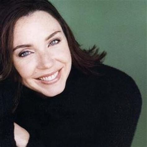 actress who plays flo progressive commercials images stephanie courtney stephcourts twitter