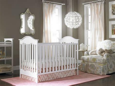 lustre chambre bebe choisir le plus beau lustre chambre b 233 b 233 224 l aide de 43