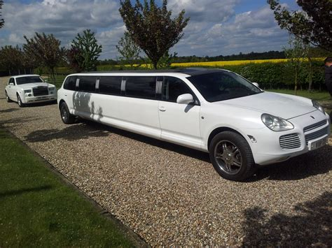 Porsche Cayenne Limo Hire   Limo and Supercar Hire