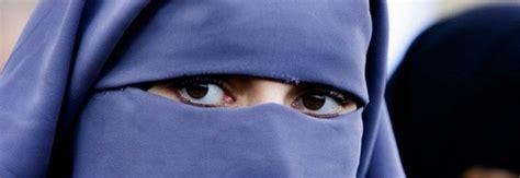 ufficio anagrafe belluno 171 donna con il burqa all anagrafe le si vedevano gli
