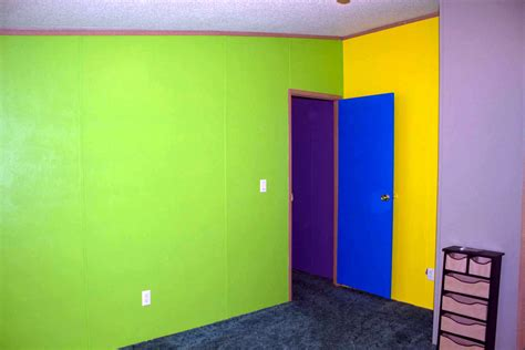 Painting One Wall A Different Color In A Bedroom by Painting Walls Different Colors