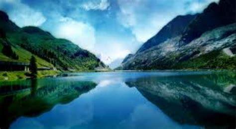 wallpaper indah nya alam indahnya gambar pemandangan alam pegunungan dan sawah