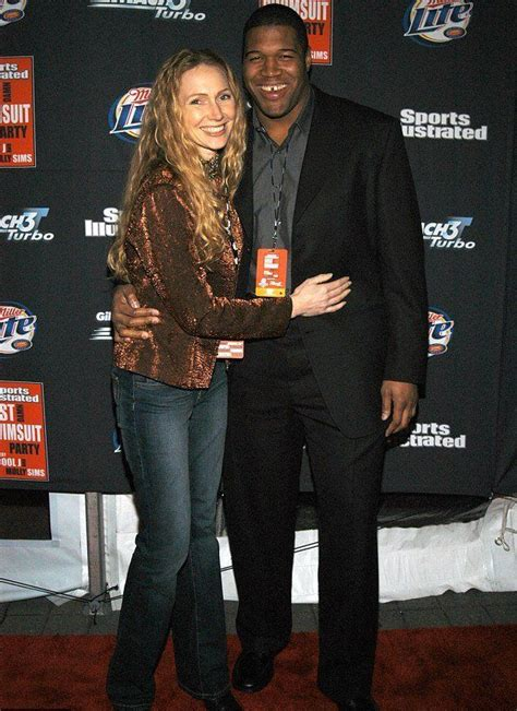 michael strahan and his wife michael strahan s ex wife wanda hutchins currently dating