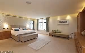 mansion bedrooms katie price eyes 163 4million nine bedroom mansion in husband