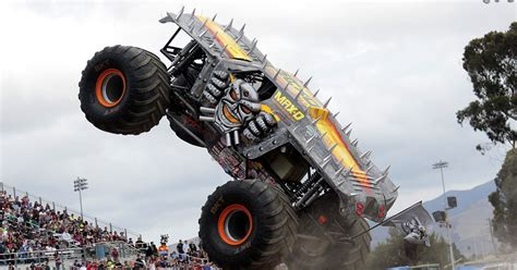 monster truck jam los angeles meents makes history monster jam ch lands first ever