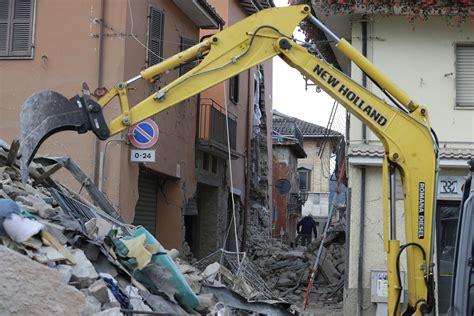 usucapione casa genitori edifici crollati nel centro italia colpito dal terremoto